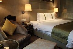 卧室旅馆客房 免版税库存照片