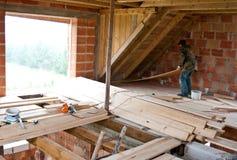 χτίζοντας το σπίτι νέο Στοκ φωτογραφία με δικαίωμα ελεύθερης χρήσης