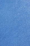 背景浴蓝色布料宏观长毛绒特里毛巾 图库摄影