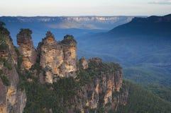 澳洲蓝色山姐妹三 免版税库存图片