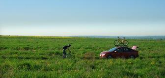 骑自行车者他的培训 库存照片
