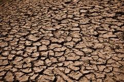 треснутая земля грязи Стоковые Фотографии RF