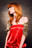 美丽的礼服时兴的红色妇女 免版税库存图片