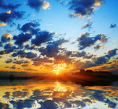 солнце рассвета пламенистое Стоковая Фотография