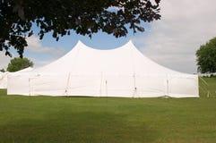 当事人帐篷婚礼白色 免版税库存照片