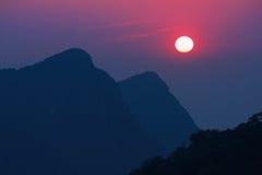 взгляд солнца горы Стоковое Изображение