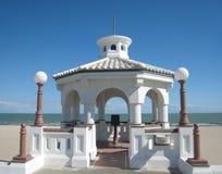 海滩风雨棚白色 免版税库存照片