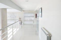 走廊白色 免版税库存照片