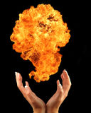 χέρια πυρκαγιάς Στοκ φωτογραφία με δικαίωμα ελεύθερης χρήσης