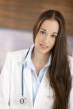 детеныши портрета доктора женские Стоковые Фотографии RF