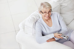 更老的微笑的妇女 免版税图库摄影