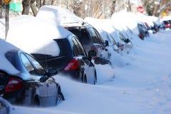 автомобили идут снег вниз Стоковое Изображение