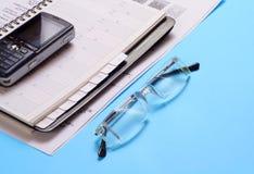 多种办公用品 免版税库存照片