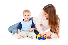 愉快的母亲纵向儿子 免版税图库摄影