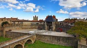 卡尔卡松入口筑堡垒于的城镇 库存照片