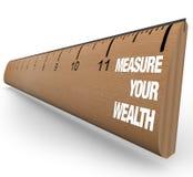 评定您统治者的财富 免版税库存图片