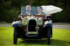 夫妇纵向婚礼 图库摄影