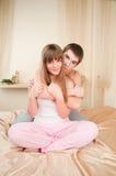 放松舒适夫妇的纵向 库存照片