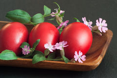 κόκκινο τρία αυγών Πάσχας Στοκ εικόνα με δικαίωμα ελεύθερης χρήσης