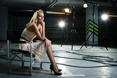 девушка излучает прожекторы вниз Стоковое фото RF