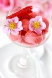 冰糕草莓 免版税库存图片