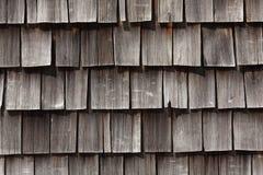 木屋顶的木瓦 库存照片