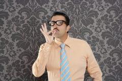 Позитв о'кей бизнесмена человека болвана ретро Стоковое Изображение RF