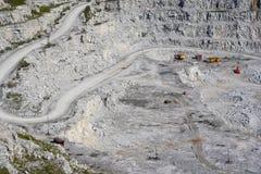 提取花岗岩露天开采矿安排 免版税库存照片
