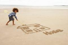 男孩图画沙子 免版税库存图片