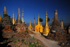 古老组缅甸塔寺庙 免版税库存图片