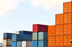 контейнеры грузят тяжелую Стоковое Изображение