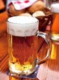 啤酒杯 免版税库存图片