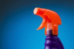 瓶擦净剂浪花视窗 免版税库存图片