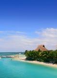 坎昆墨西哥盐水湖和加勒比海 免版税库存照片