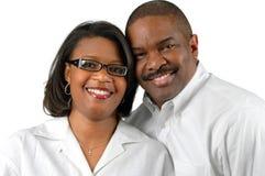 一起微笑的夫妇 免版税库存照片