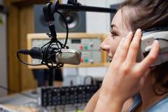 Ομιλία ξένιου χ/υ χαμόγελου ραδιο Στοκ Εικόνα