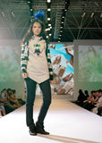 выставка способа Азии женская модельная Стоковая Фотография