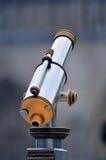 望远镜游人 免版税库存图片