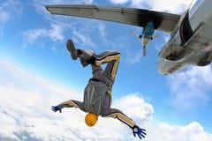 ελεύθερη πτώση με αλεξίπτ& Στοκ Εικόνες