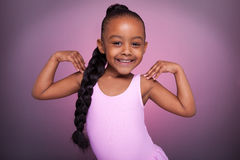 非洲裔美国人的逗人喜爱的舞女一点 免版税库存照片