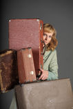 старая женщина чемоданов Стоковое Изображение RF