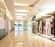 购物中心走廊的女用贴身内衣裤界面 库存图片