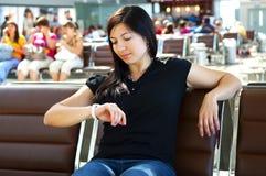 一个妇女年轻人 免版税库存照片