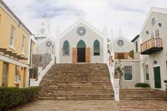 砖天主教教会老小的步骤顶层 图库摄影
