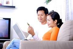 家庭在线购物 免版税库存图片