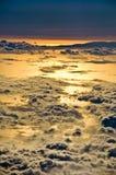 συμπαθητικό ηλιοβασίλεμα ουρανού σύννεφων στην όψη Στοκ εικόνα με δικαίωμα ελεύθερης χρήσης