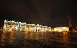 晚上宫殿冬天 免版税库存照片