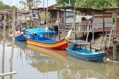 捕鱼马来西亚人村庄 免版税库存照片