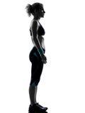 妇女锻炼健身姿势身分 免版税库存照片
