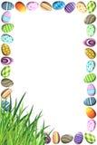 边界用五颜六色的复活节彩蛋 免版税库存图片